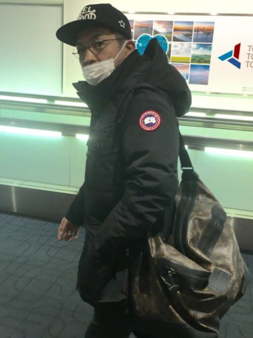 Is Aaa Worth It >> Than the bag expensive? Canada Goose and Moncler Down why ...